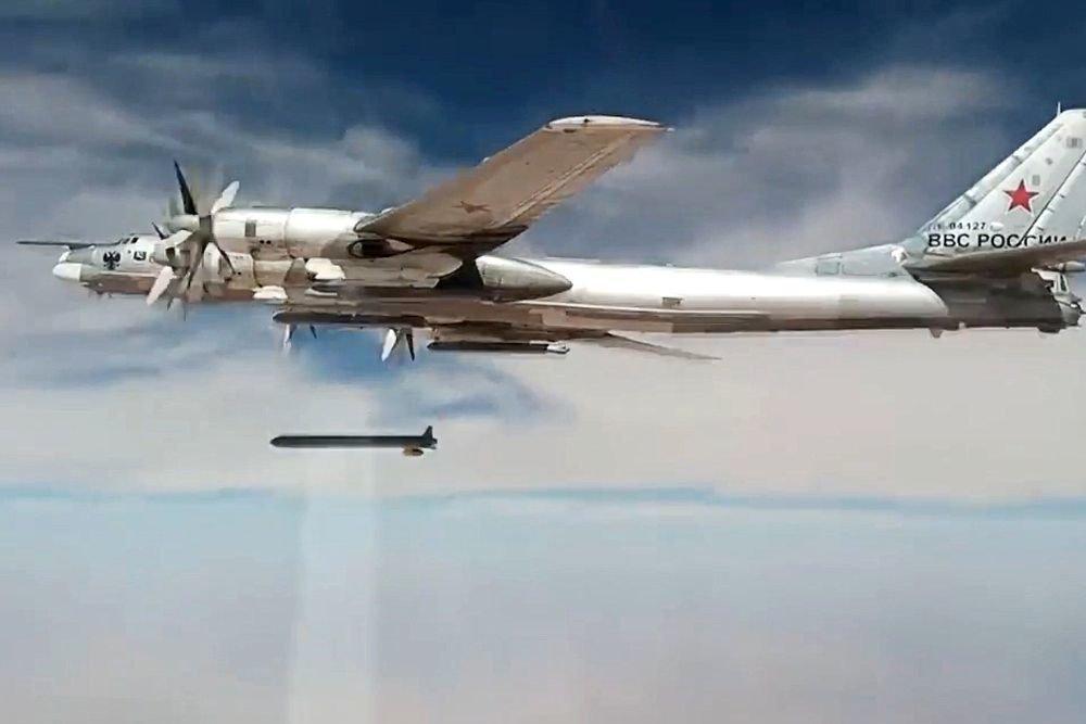 """В России сообщили о ракете с """"недостижимой дальностью"""" действия"""