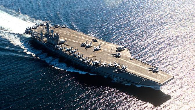 """Устрашающие """"динозавры"""": авианосцы назвали слабым местом ВМС США"""