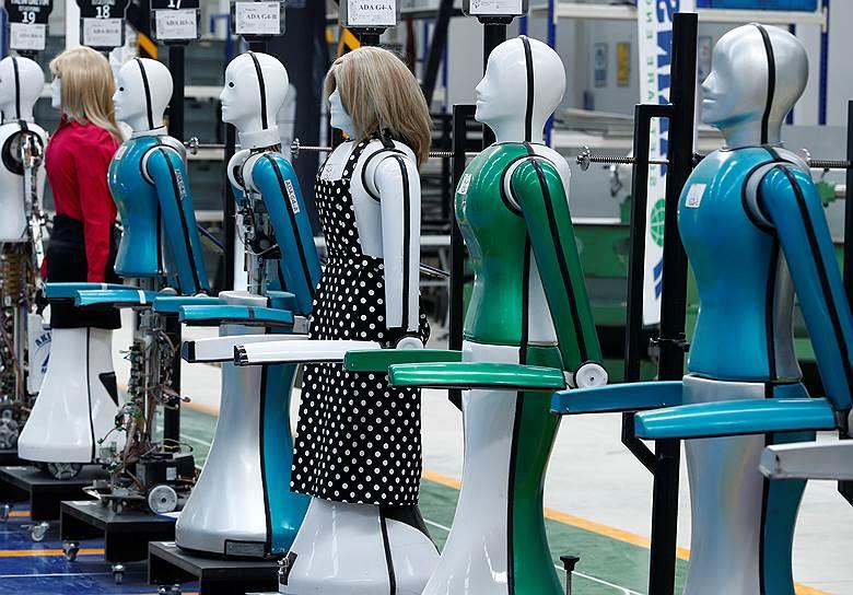 Цифровая революция трансформирует современную промышленность: владение фабриками и заводами, возможно, станет делом таким же бессмысленным, как владение личным автомобилем в эпоху Uber