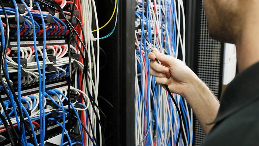 Associated Press (АP): в нескольких штатах США в четверг произошло массовое отключение интернета, неполадки затронули не только обычных пользователей, но и ряд правительственных ведомств