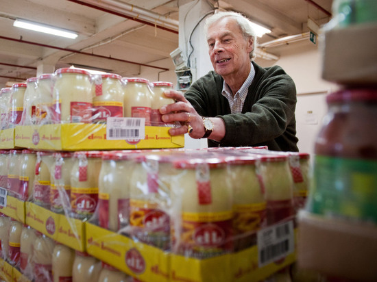 Перебиваются на 1400 евро: кого считают бедным в разных странах. В Германии банками благотворительной еды пользуются полтора миллиона человек