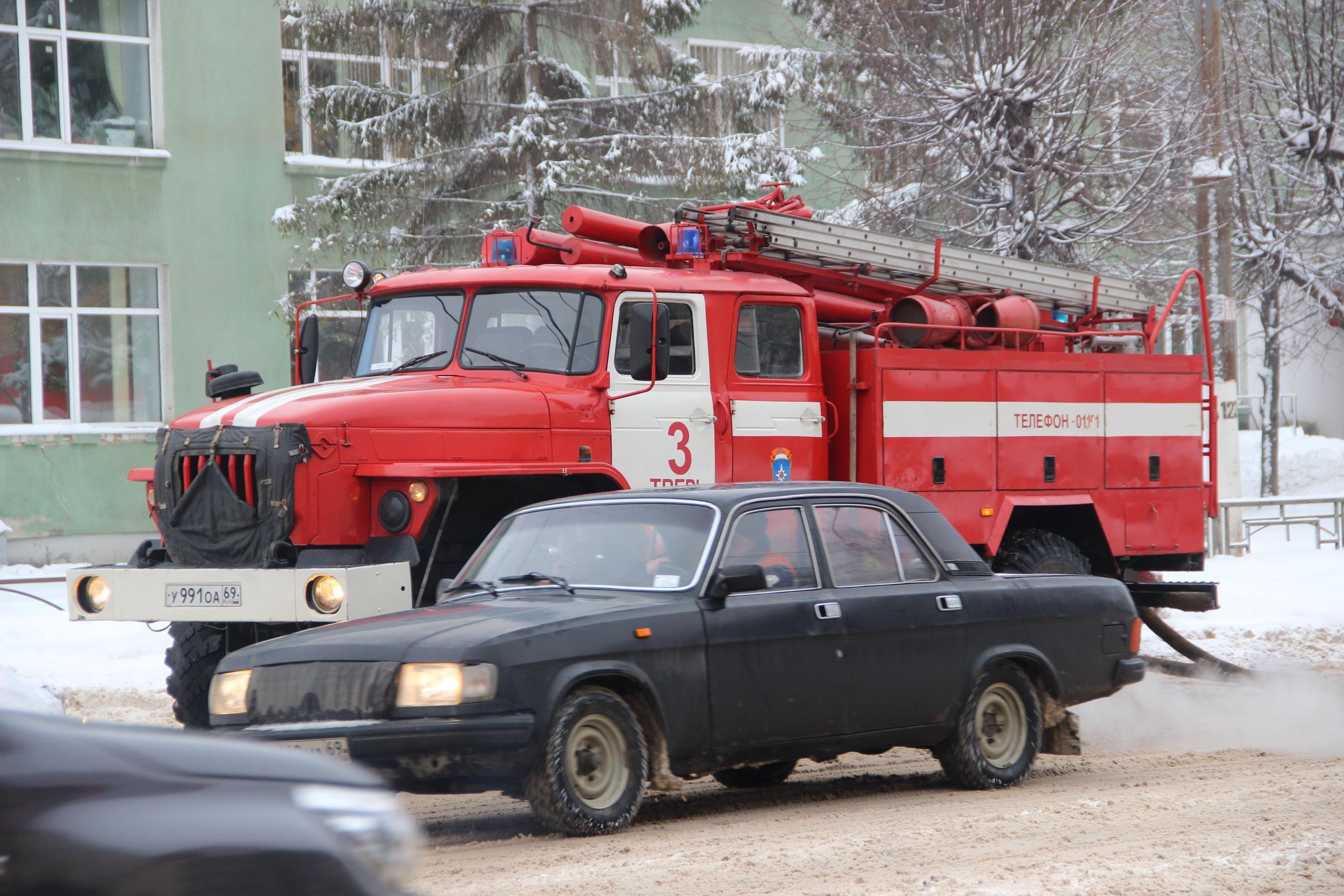 Новая волна минирования: школы и больницы эвакуируют сразу в нескольких регионах России