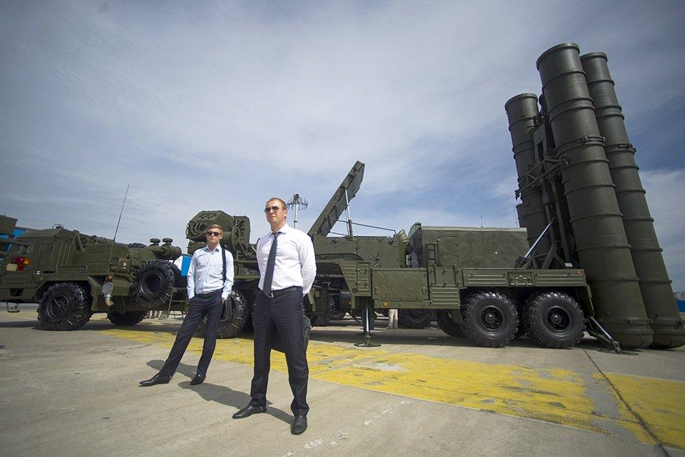 НАТО в тупике: прибытие С-400 в Турцию вызвало ажиотаж в западных СМИ