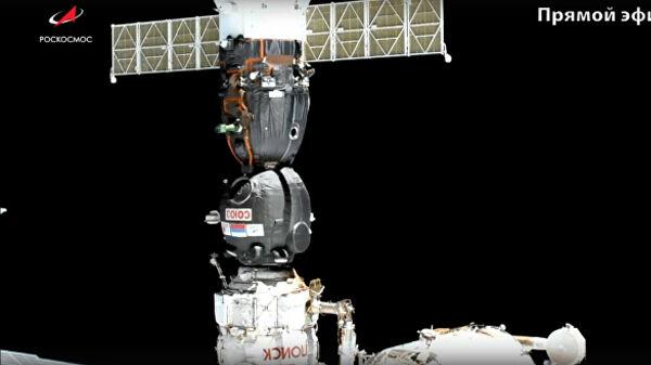 """Космический корабль """"Союз МС-14"""" с первым российским человекоподобным роботом """"Федором"""" успешно в автоматическом режиме причалил к Международной космической станции со второй попытки"""