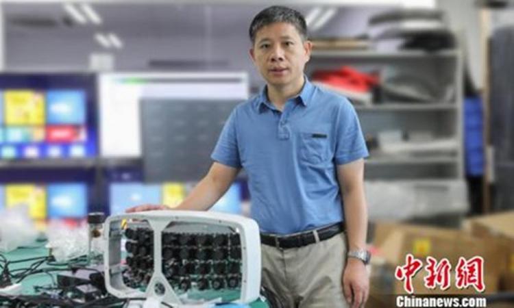 """В китайской академии наук создали 500-Мп """"супер-камеру"""", способную захватывать """"тысячи лиц на стадионе в мельчайших деталях и генерировать данные о них для облака, находя конкретную цель в мгновение"""""""