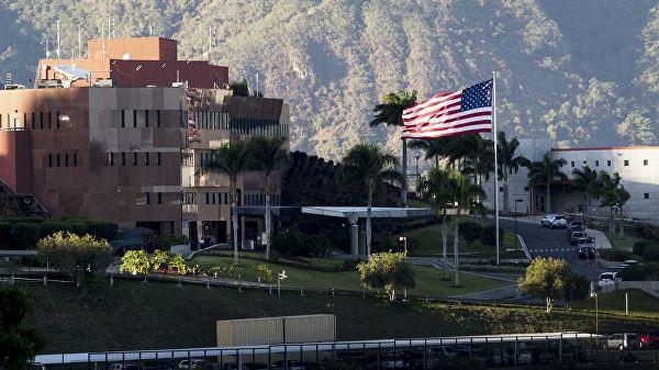 Венесуэла дала американским дипломатам 72 часа, чтобы покинуть страну