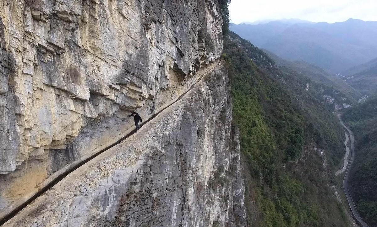 Терпение и труд. Китаец потратил 36 лет на рытьё канала на склоне горы