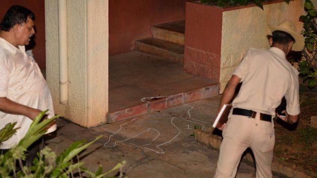 Известную индийскую журналистку Гаури Ланкеш застрелили на пороге собственного дома