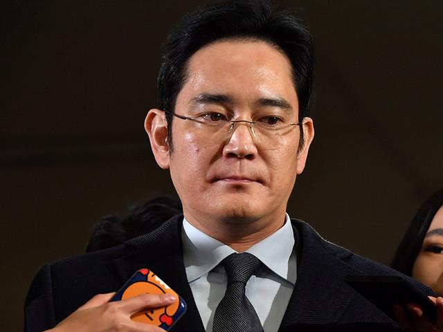 Глава Samsung арестован по обвинениям во взяточничестве