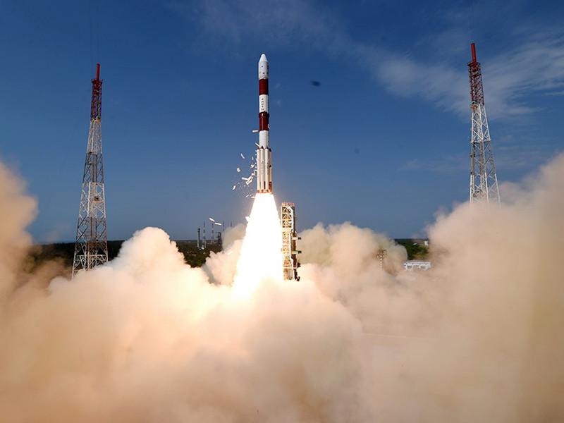 Индия успешно запустила в космос сотый спутник собственного производства