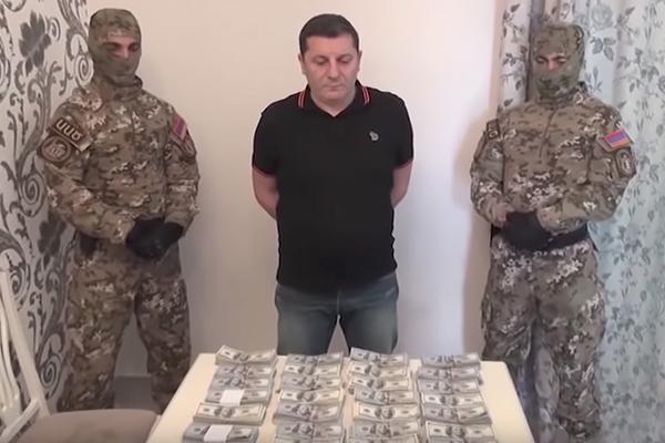 Взятки и братки - В Армении трясут чиновников и генералов. У них находят миллионы и склады оружия