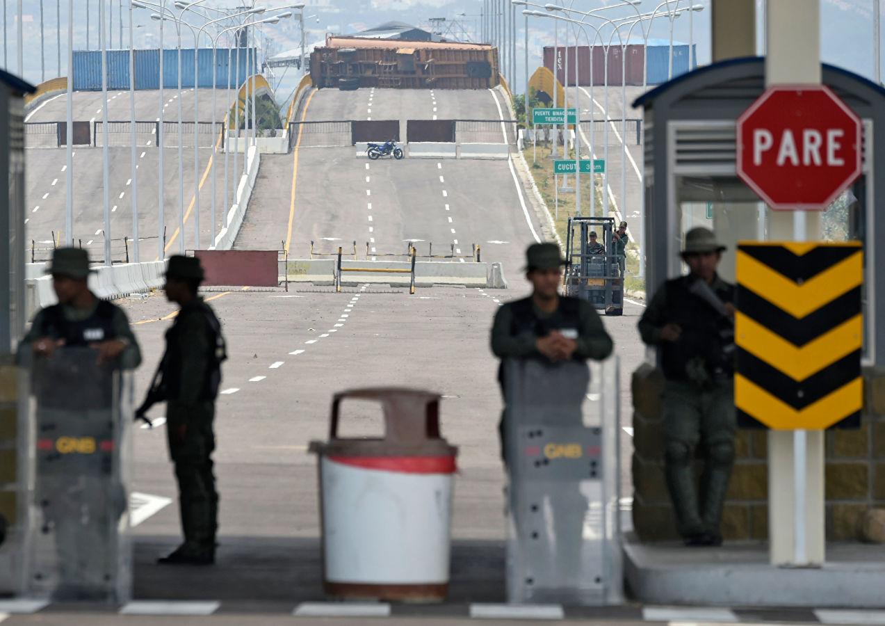 США перебрасывают спецназ и технику к Венесуэле