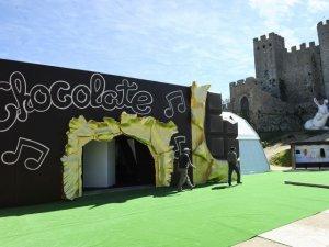 Самую дорогую в мире конфету представили на фестивале шоколада в Португалии