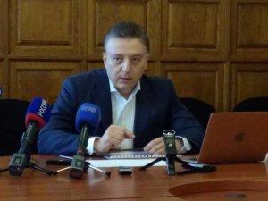 Танкеры и причалы: 1200 объектов порта Севастополя могли продать за 10 рублей
