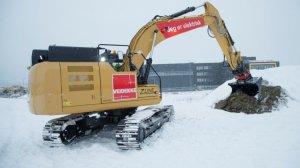 Caterpillar представила электрический 26-тонный экскаватор с гигантским аккумулятором весом 3,4 т., ёмкости которого достаточно для непрерывной работы в течение 5-7 часов до зарядки в течение ночи