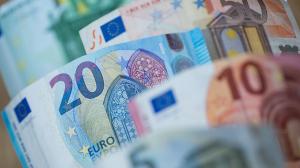 ЦБ предостерёг банки от операций в евро