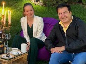 Саакашвили нашел очередное счастье на Украине - в лице депутата…