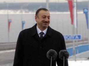 Алиев грозно потроллил Францию: подарите армянам…
