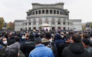 Оппозиция выдвинула Пашиняну новый…