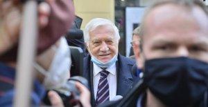 Экс-президента Чехии оштрафовали занеправильное ношение…