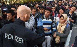 Молодые немцы уезжают изГермании- приезжают молодые арабы, турки,…