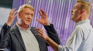 """Чубайс передал Навальному привет """"юному ленинцу от старого…"""