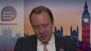 Глава минздрава Великобритании расплакался в прямом эфире из-за…