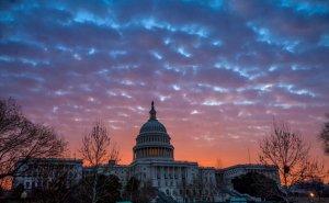 Сенат США принял оборонный бюджет вопреки угрозе…