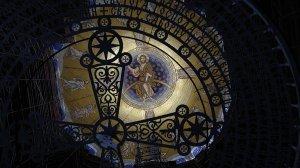 Путин поздравил сербов с завершением оформления храма Святого…