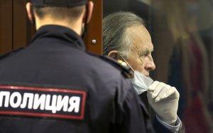 Суд приговорил историка Соколова к 12,5 года колонии строгого режима    (Он признан…