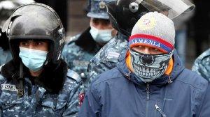 Участников протестов в Ереване начали…
