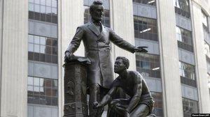 В Бостоне демонтировали памятник Аврааму…