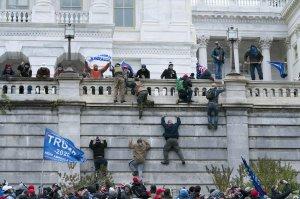 """Российские оппозиционеры посчитали """"прекрасным"""" кровопролитие у…"""