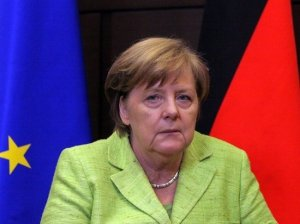 Меркель раскритиковала блокировку аккаунтов Трампа в…