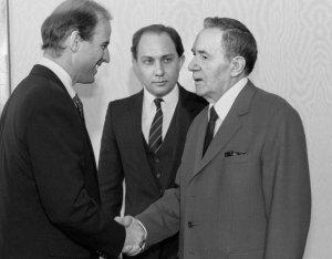Первые шаги будущего президента: Как Байден начал карьеру в Ленинграде и…