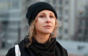 В Москве две участницы Pussy Riot сбили полицейского при…