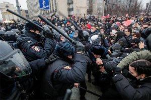 Правозащитники сообщили более чем о 3,3 тыс. задержанных во время протестов в…