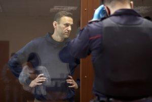 """""""Будто он кукла, навешали на него медали"""": как Навальный приговорил себя…"""