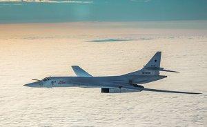 Российские бомбардировщики шуганули американские эсминцы вЧерном…