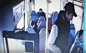 Пассажир ранил ножом водителя маршрутки в…
