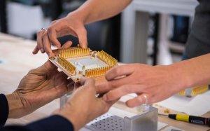Сколько денег тратят на квантовые технологии в мире? Как создаются новые…