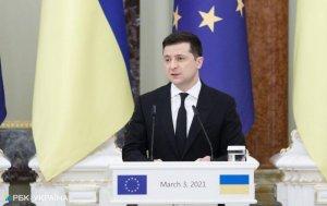Зеленский считает, что членство Украины в НАТО приведет к окончанию войны в…