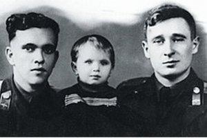 """""""Огромное небо"""": советские летчики спасли берлинцев 55 лет…"""