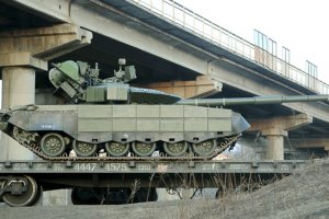 """Опубликованы фото доставленных в Хабаровск """"летающих танков""""…"""