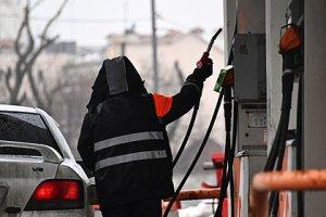 Россияне стали отказываться от поездок на машине из-за роста цен на…