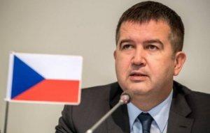 """Чехия: переговоры о поставках """"Спутника V"""" были частью спецоперации против…"""