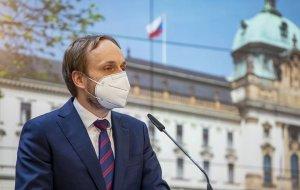 Чехия высылает 63 сотрудника посольства России  (Российские дипломаты покинут…