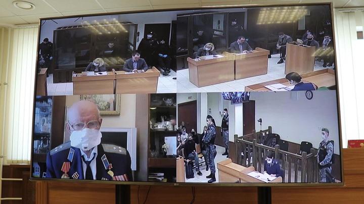 Предатель не проливал бы за Родину кровь: Навальный был слитно