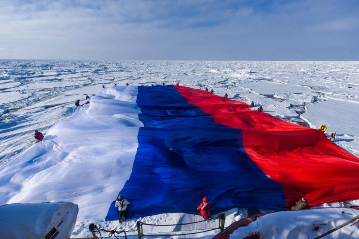 отремонтированы нашем флаг арктики фото театре