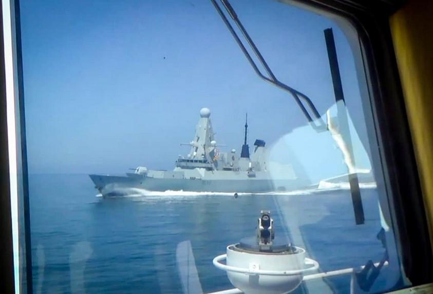 Журналист Daily Mail осудил британский флот и напомнил о Фолклендской войне